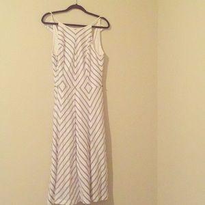 Cute Midi Dress. Very classy look! 👀